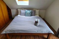 2-posteľová-spálňa-na-chate-Olejkárka