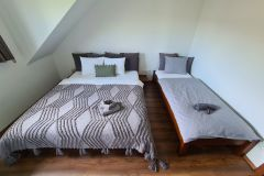 3-posteľová-spálňa-chata-Olejkárka