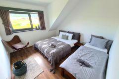 3-posteľová-spálňa-chata
