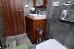 Horná-kúpeľna-na-chate
