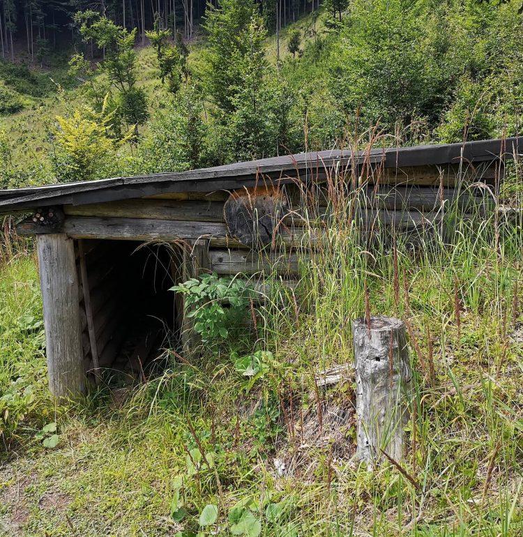 Valcianska dolina Partizanske bunkre