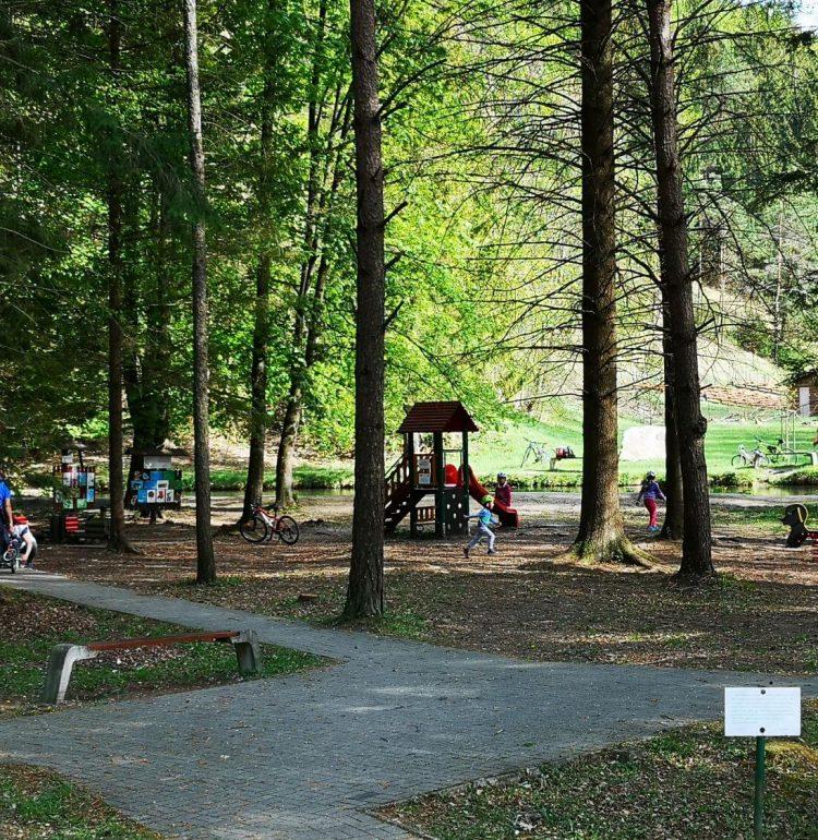 Detské ihrisko pri vstupe do Gaderskej doliny
