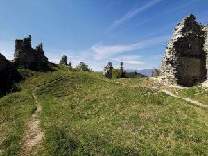 Nadvorenie hradu Sklabina