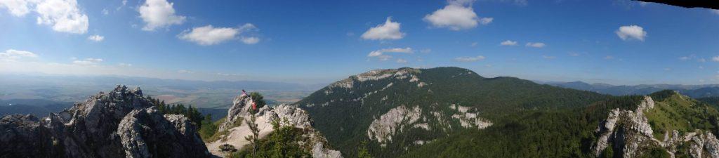 Panoráma vrchov Ostrá a Tlstá
