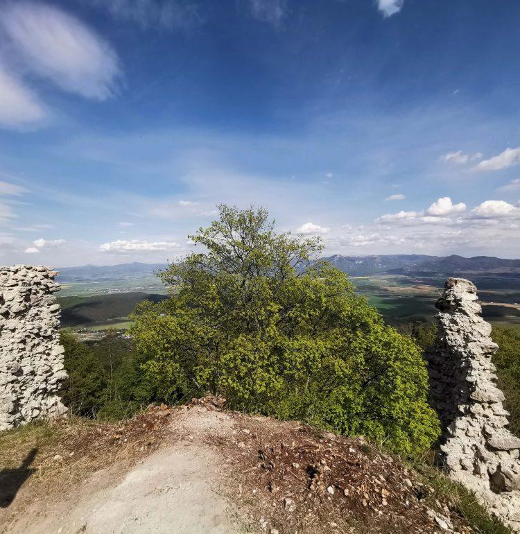 Turiec a hrad Zniev