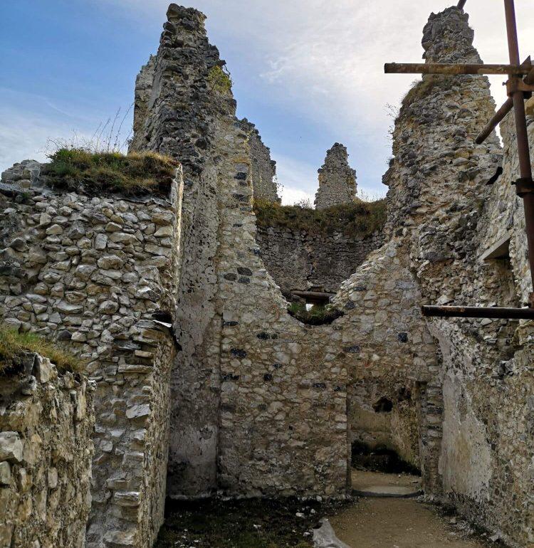 Zachovalé poschodie hradu Blatnica