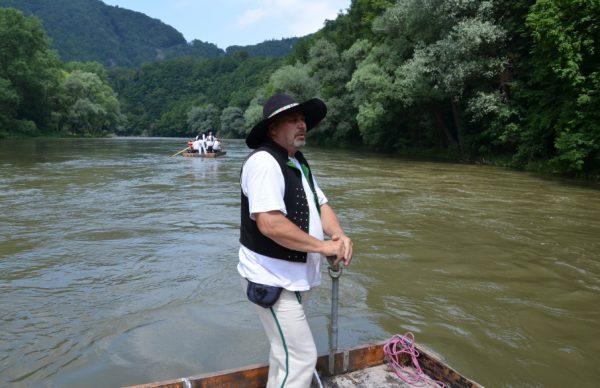 Plníctvo na rieke Váh