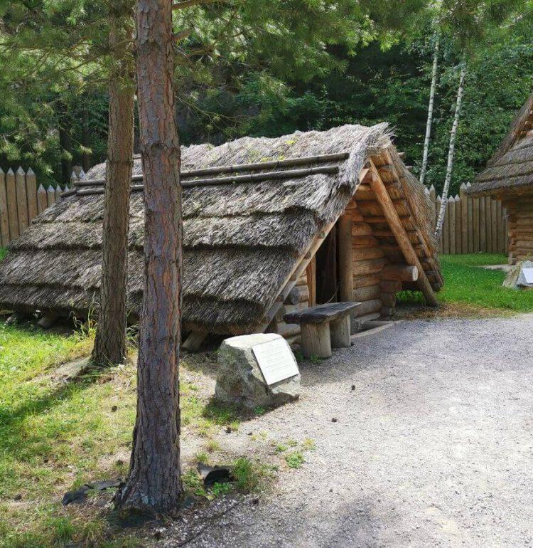 Domček v dedine Paseka