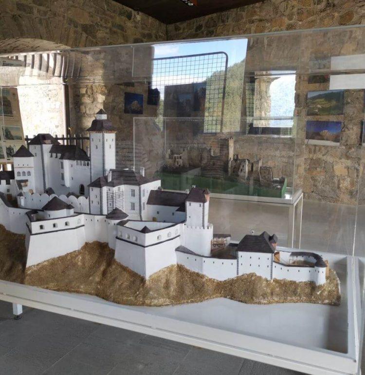 Makety hradu Strečno