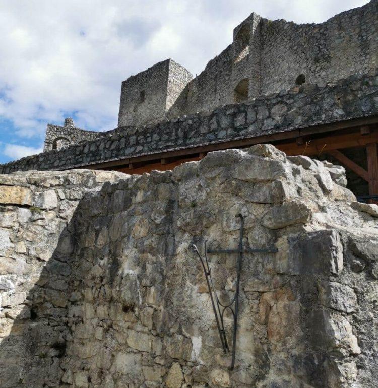 Pohľad na hrad Strečno