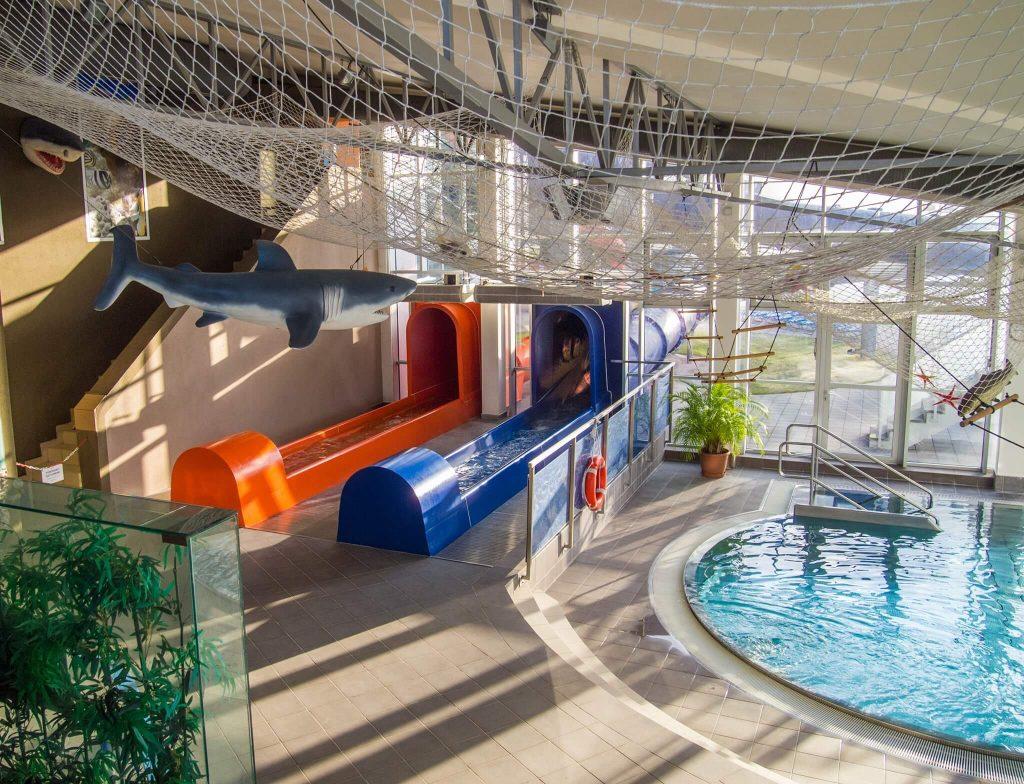 Tobogány a kruhový bazén